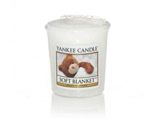 Avvolti in dolci sogni… una ninna nanna di puri aromi agrumati uniti alla raffinatezza della vaniglia e alle calde note dell'ambra.
