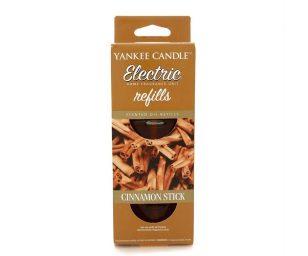 Una misteriosa fragranza a base di cannella esotica e chiodi di garofano.