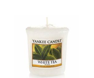 Una profumazione delicata e rilassante di tè bianco e limone dolcemente miscelato.