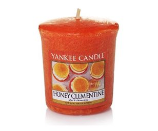 L'arancia rinfrescante assume una nota dolce grazie a questa agrumata delizia a base di miele.
