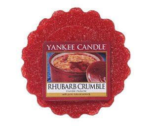 Gli aromi avvolgenti dell'intenso rabarbaro con zucchero di canna e vaniglia appena sfornato sono innegabilmente deliziosi.