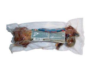 Osso di prosciutto sanificato in confezione sottovuoto per garantire una perfetta conservazione.