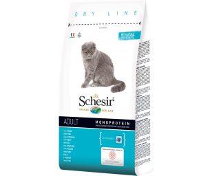La gamma di crocchette Schesir Dry Line è formulata con un'unica fonte di proteine animali ed è ricca di ingredienti naturali*