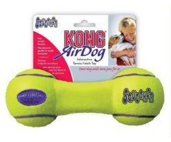 Kong Air Squeaker Dumbell combina due classici giocattoli per cani: la pallina da tennis e il gioco sonoro