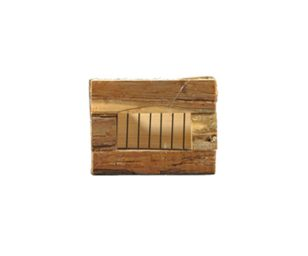 Mangiatoia in legno per mantenere il fieno sempre fresco e pulito.