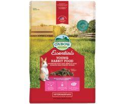 Essential Young Rabbit Food è un pellet a base di erba medica creato appositamente per i fabbisogni dietetici di giovani conigli allevati in ampi spazi e attivi.