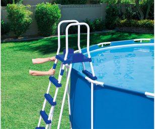 Scaletta per piscine cm 132.