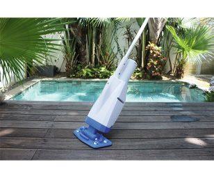 aspira i detriti sul fondo della piscina e filtra l'acqua. Compatibile con SPA e piscine fuori terra (fino a Ø 6
