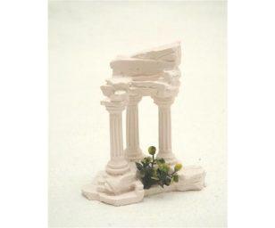 Tempio tre colonne bianche.