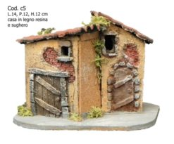 Composizione case in sughero e resina.